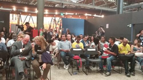 Público participou ativamente do evento.